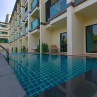 Airport Beach Hotel Phuket, hotel in Nai Yang Beach