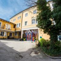 YoHo - International Youth Hostel