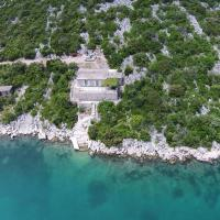 Apartments by the sea Kabli, Peljesac - 10221, hotel in Brijesta