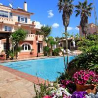 Oasis Pool House by GHH, отель в Лагонисси