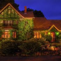 Ivy Manor Inn Village Center