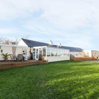 Cae Glas, Holyhead, hotel near Anglesey Airport - VLY, Holyhead