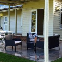 Eagle's View Cottage - Yarra Valley, hotel in Wandin North
