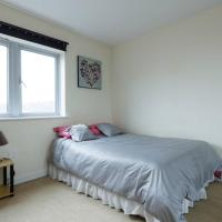 Lewisham large double bedroom