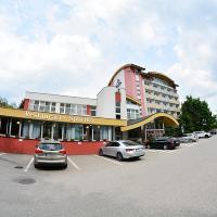 Alexandra Šport Hotel, hotel in Púchov