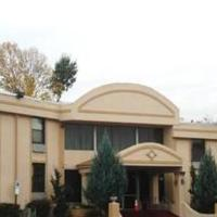 Town House Inn and Suites, hotel in Elmwood Park