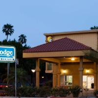 Travelodge by Wyndham Long Beach Convention Center, hotel in Long Beach