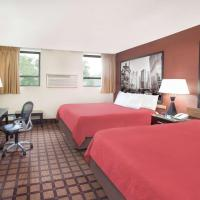 Super 8 by Wyndham Chicago IL, hotel in Rogers Park, Chicago