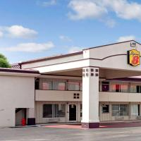Super 8 by Wyndham Oklahoma/Frontier City, hotel in Edmond