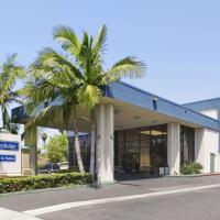 Travelodge Inn & Suites by Wyndham Anaheim on Disneyland Dr, hotel ad Anaheim