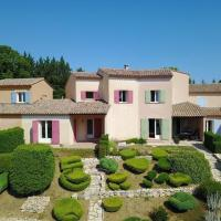 Semi-detached villa with dishwasher, close to the village
