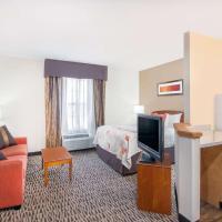 Hawthorn Suites by Wyndham Louisville North, hotel in Jeffersonville
