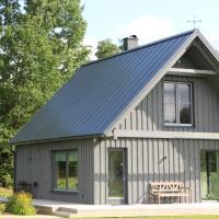 Piesta Kuusikaru riverside cottage in Soomaa region, hotell sihtkohas Kullimaa
