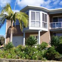 Retreat on Surf Beach, hotel in Sunshine Bay