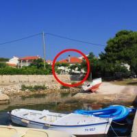 Apartments by the sea Ugljan - 8266