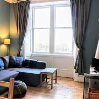 Modern Arthurs Seat Apartment - Sleeps 6