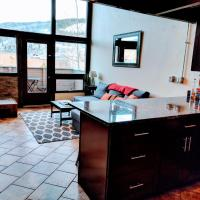 Vail View Loft - Slope-view condo, free bus for quick access to Vail Village
