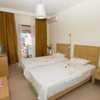 Paralio rooms, отель в городе Ореой