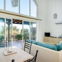 Joya Cyprus Sapphire Garden Apartment, hotel in Ayios Amvrosios