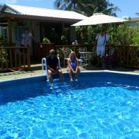 The Pool House, hotel in Saint Philip