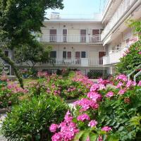 Apartments Juli, hotel in Nea Potidaea