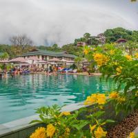 PP Charlie Beach Resort, отель в городе Пхипхи