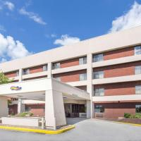 Baymont by Wyndham Davenport, hotel in Davenport