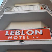 Hotel Leblon، فندق في إل أرينال