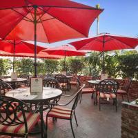 Ramada by Wyndham Costa Mesa/Newport Beach, hotel in Costa Mesa