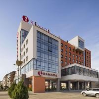 Ramada by Wyndham Oradea, hotel in Oradea