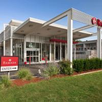 Ramada by Wyndham Rockville Centre, hotel in Rockville Centre
