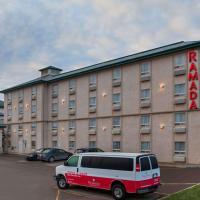 Ramada by Wyndham Red Deer Hotel & Suites, hotel em Red Deer