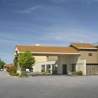 Ramada by Wyndham Jordan/Beacon Harbourside Resort, hotel em Jordan