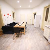 7BDR apartment in the center