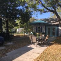 Ozona Bungalow and guesthouse, hotel in Palm Harbor