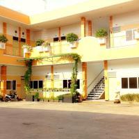 Hotel Kencana Rembang, hotel in Rembang