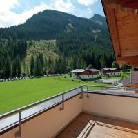Chalet in Saalbach with Ski-Storage, Heating & Parking