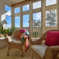 Bright 1BR townhouse with sea view