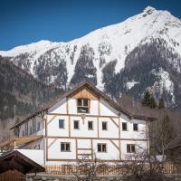 Gletscher Appartements, hotel in Flattach