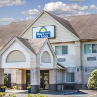 Days Inn & Suites by Wyndham Vancouver, hotel in Vancouver