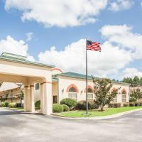 Days Inn & Suites by Wyndham Columbia Airport, hotel in West Columbia