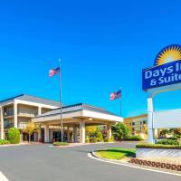 Days Inn & Suites by Wyndham Albuquerque North, hotel in Albuquerque