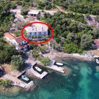 Apartments by the sea Zuronja, Peljesac - 10137, hotel in Brijesta