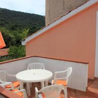 Apartments with a parking space Veli Losinj, Losinj - 11495, hotel in Sveti Nicola