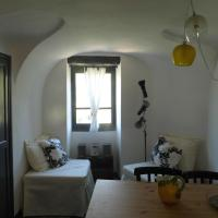 piccolo appartamento di charme (mq32), hotel in Apricale