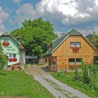 Penzion a drevenica pri Hati, hotel in Terchová