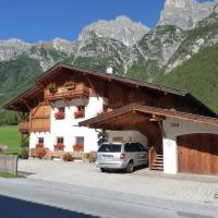 Conny's Ferienwohnungen, hotel in Gschnitz