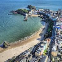 Queens Holiday Apartment, hotel in Pembroke Dock