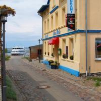 Hotel - Pension Zur Mole, отель в городе Вик (Рюген)