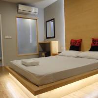 Love Box Resort, hotel in Samut Prakan